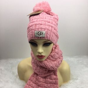 UGG Hat And Scarf Set Pink Winter Beanie